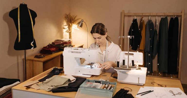 Cómo organizar un taller de costura